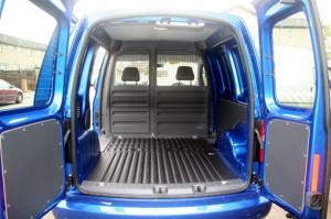 VW_Caddy_Blue_2011_004